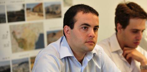 Arnon Barak a 2013-14 fellow, Currently working at the Bank of Israel